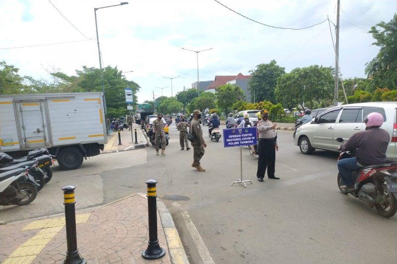 41 pelanggar tertib masker ditindak di Jakarta Barat