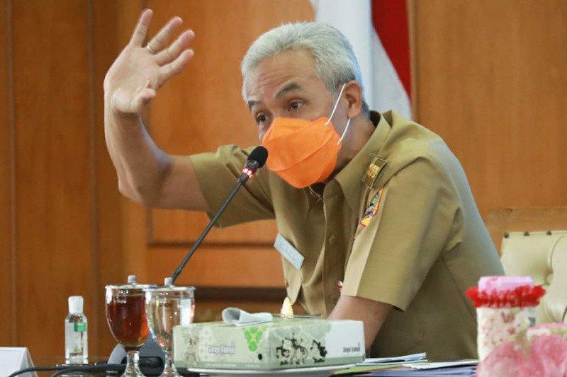 Ganjar minta Apindo tidak khawatir ada PHK terkait UMP 2021