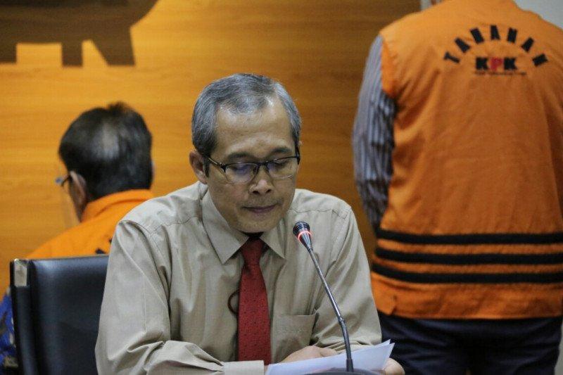 KPK menahan 3 tersangka baru kasus korupsi di PT DI