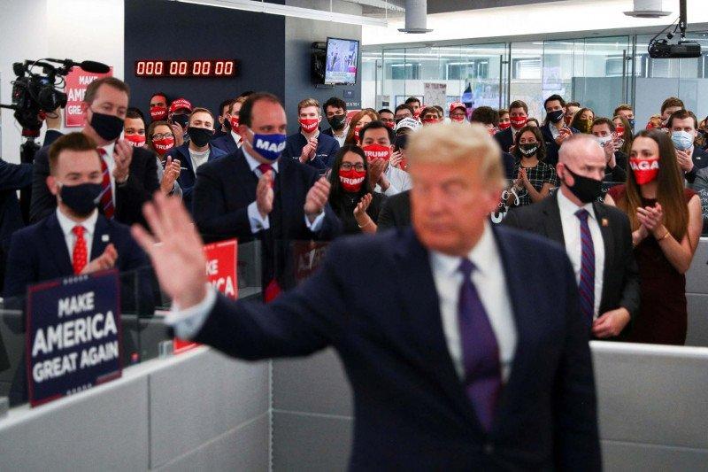 Tim Trump tuntut penghitungan suara di Michigan dihentikan
