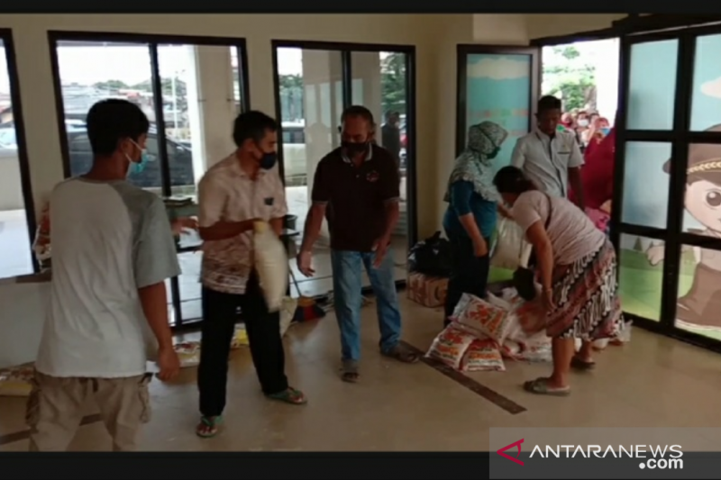 Rusun Promoter Polri bagikan sembako untuk warga terdampak COVID-19