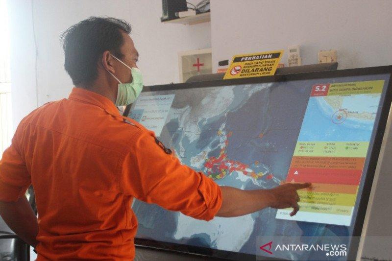 BMKG berikan bantuan alat deteksi dini tsunami untuk BPBD Pekalongan