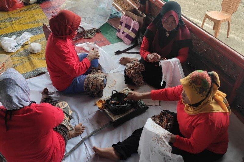 KKP apresiasi usaha olah komoditas mangrove jadi batik