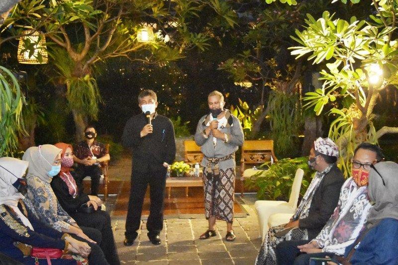"Jawa Timur gelar ""fashion show"" batik di pinggir pantai Banyuwangi"