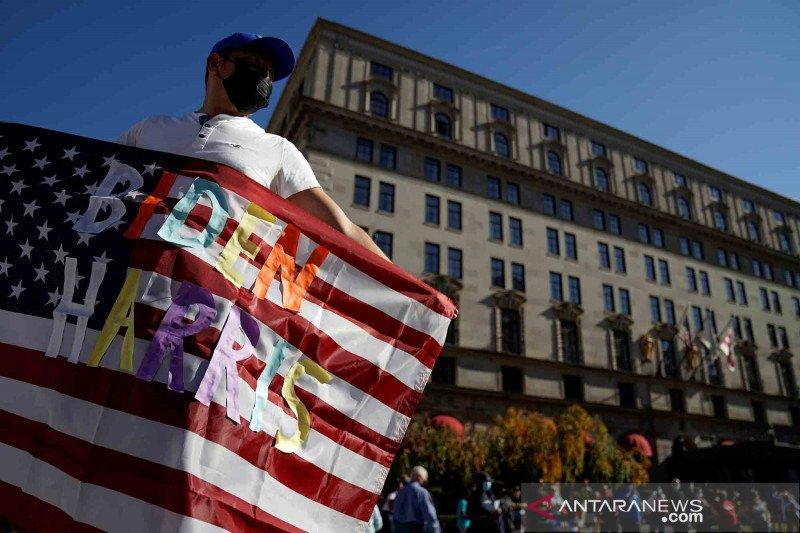 Euforia warga AS atas kemenangan Biden - Harris