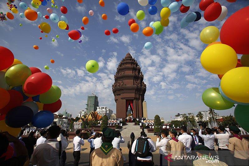 Kamboja merayakan kemerdekaan ke-76 dari kolonial Prancis