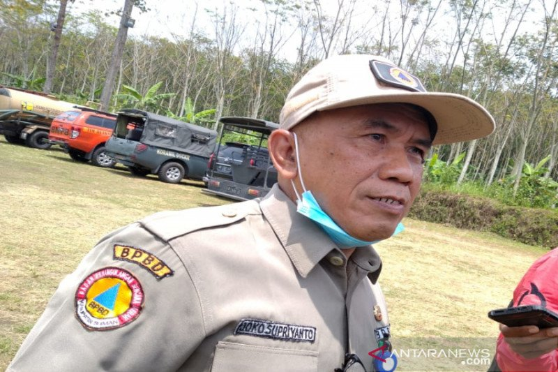 Puluhan relawan di barak pengungsian Merapi ikuti tes cepat COVID-19