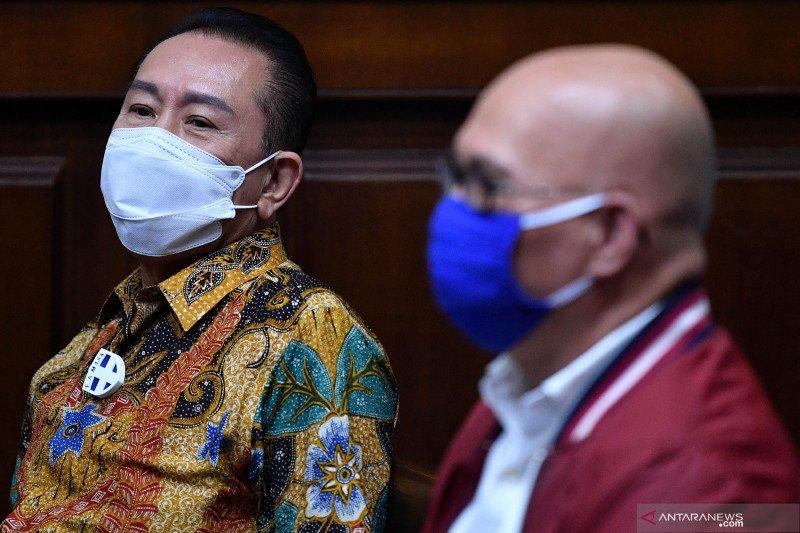 Hukum kemarin, Djoko Tjandra menangis hingga WN Afsel dideportasi