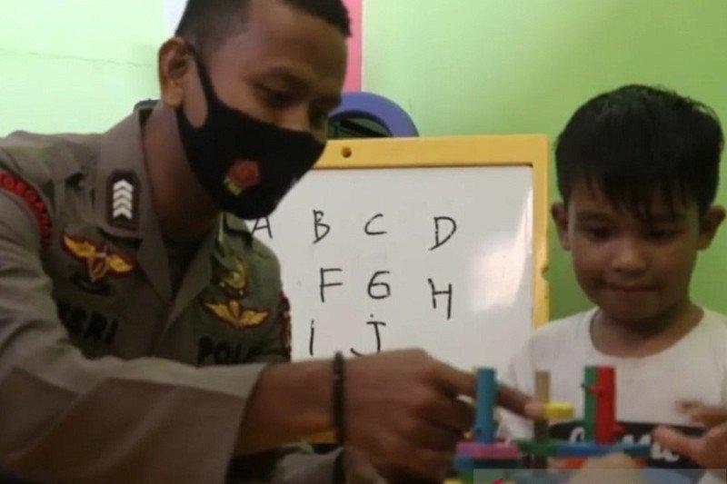 Kisah Bripka Desri aktifkan kembali sekolah berkebutuhan khusus