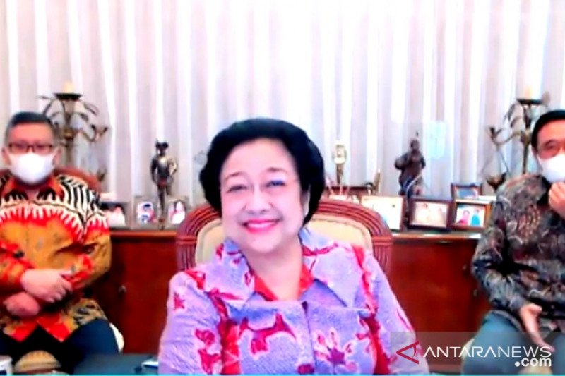 Megawati bangga tiga daerah dipimpin kader PDIP dapat penghargaan