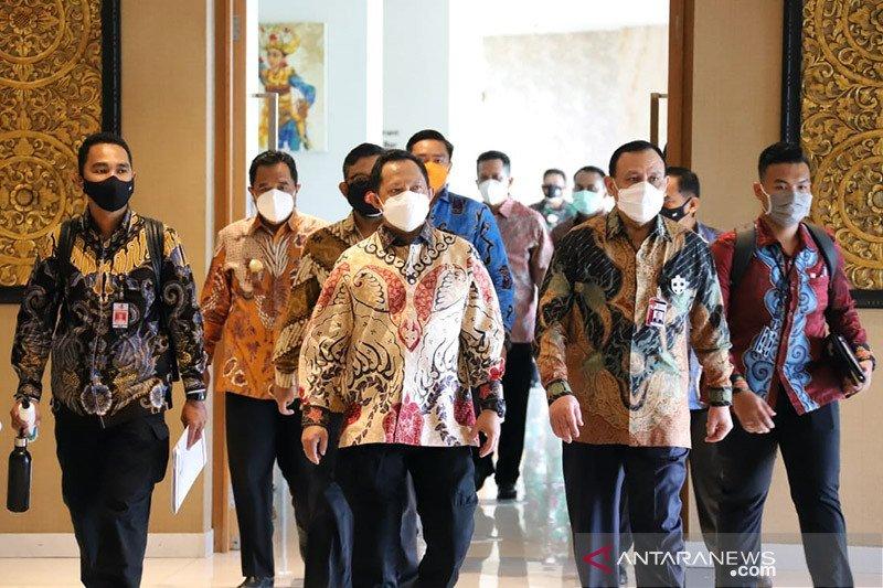 Kemendagri apresiasi bantuan 1 juta masker dari Kementerian BUMN