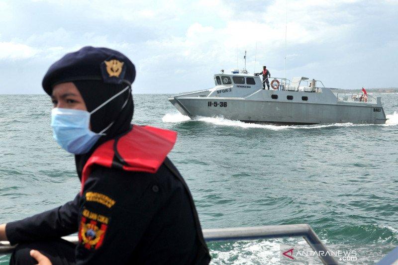 Bea Cukai, TNI AL, dan Ditpolairud lakukan patroli laut bersama