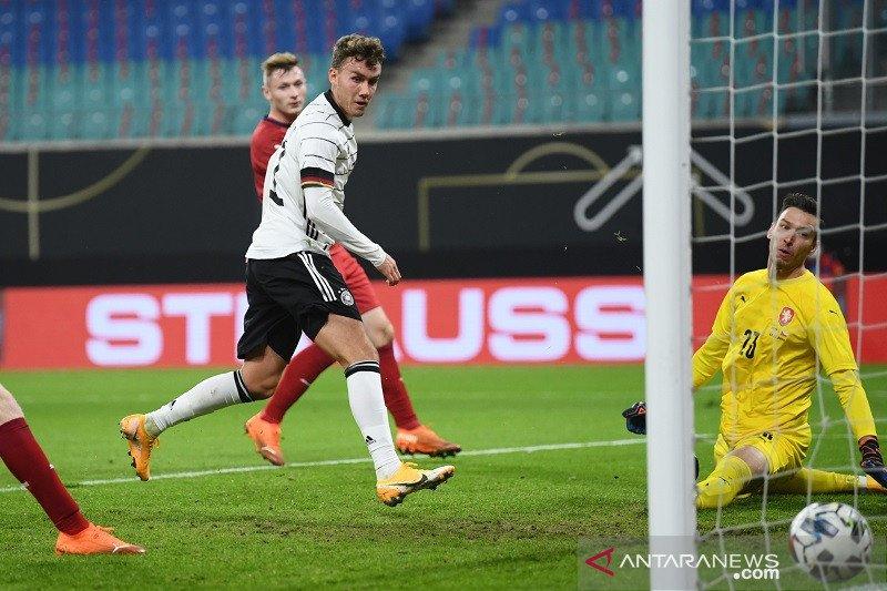 Jerman cuma menang tipis 1-0 atas Ceko