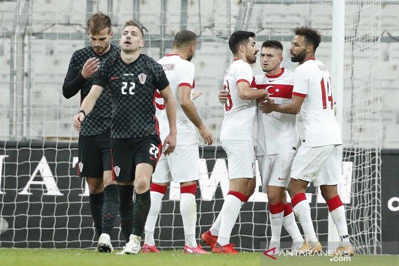 Hujan enam gol warnai laga persahabatan Turki vs Kroasia