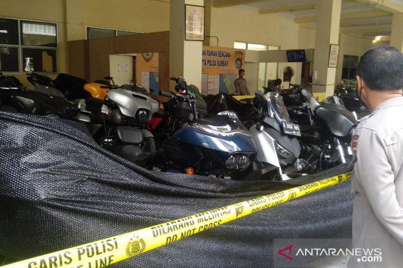 Polda Sumbar kembalikan 19 unit moge rombongan pengeroyok prajurit TNI