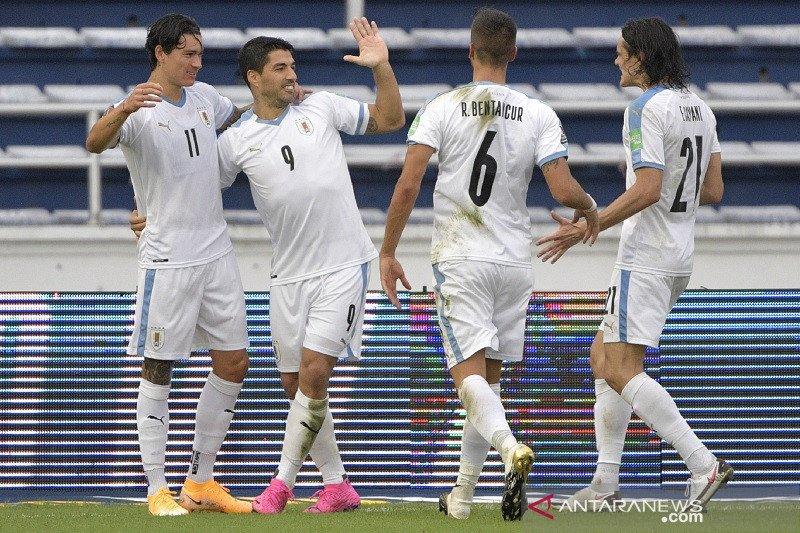 Cavani dan Suarez sumbang gol bantu Uruguay cukur Kolombia 3-0