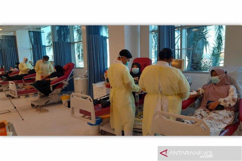 Diaspora Indonesia di Kuwait donor darah untuk peringati HKN ke-56