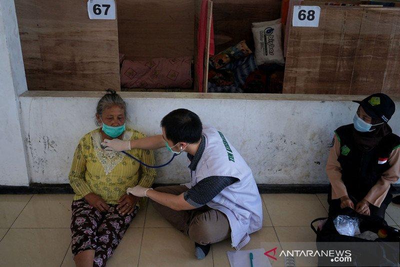 Bupati Sleman minta pengungsi Merapi bertahan di barak pengungsian