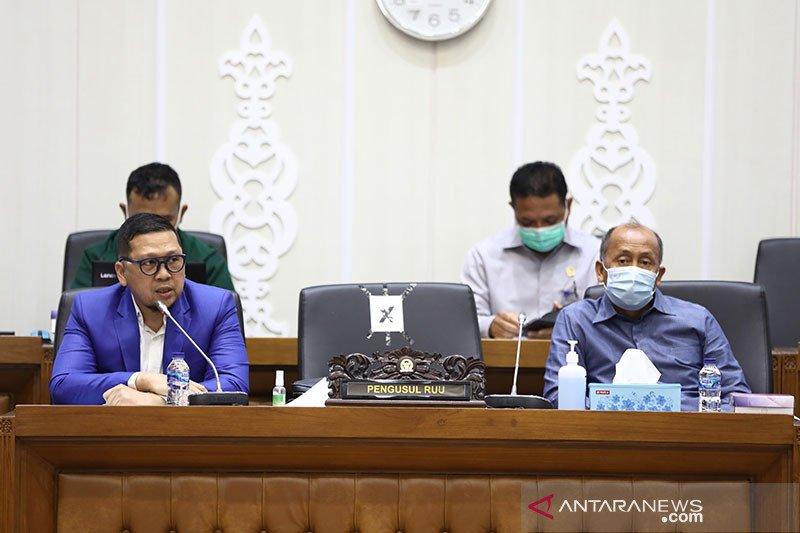 Baleg menunggu Pimpinan DPR agendakan paripurna sahkan Prolegnas 2021