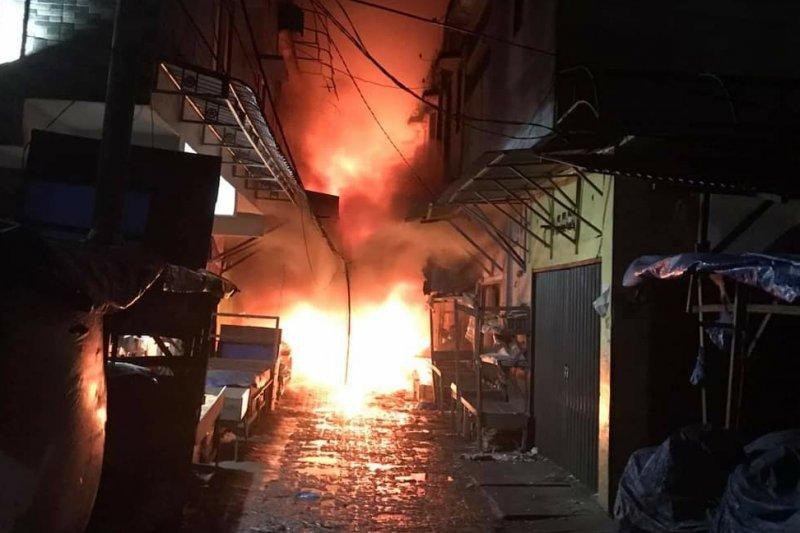 500 lebih kios di Pasar Berastagi ludes terbakar