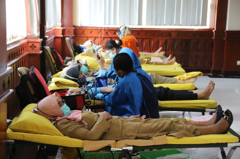 Pemkot Jaksel ajak masyarakat donor darah bantu PMI