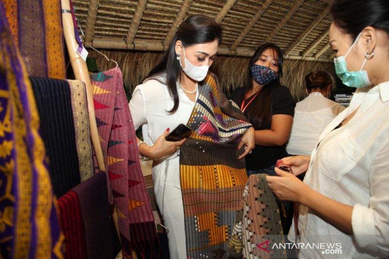 Ketua Dekranasda Gianyar buka Alas Harum Festival 2020