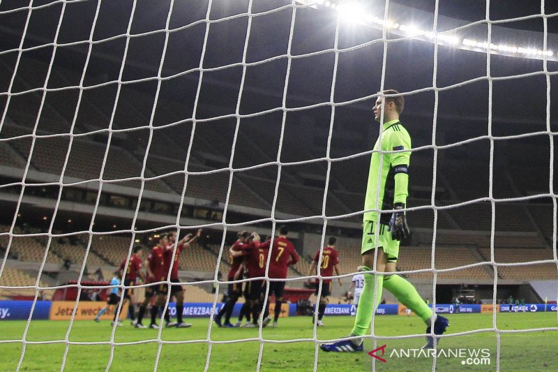 Bierhoff : Loew tetap jadi pelatih Jerman kendati dibabat Spanyol 6-0