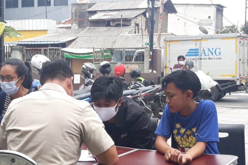 Rp800 juta terkumpul dari pelanggaran tertib masker di Jakarta Barat