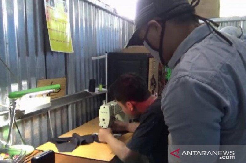 KPU Ngawi gandeng UMKM produksi masker untuk Pilkada 2020