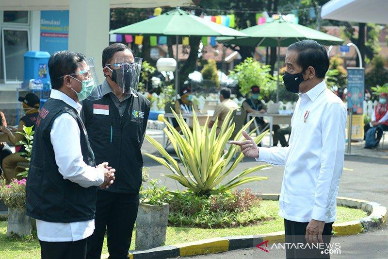 Kemarin, suku bunga BI turun hingga Jokowi ajak para CEO investasi