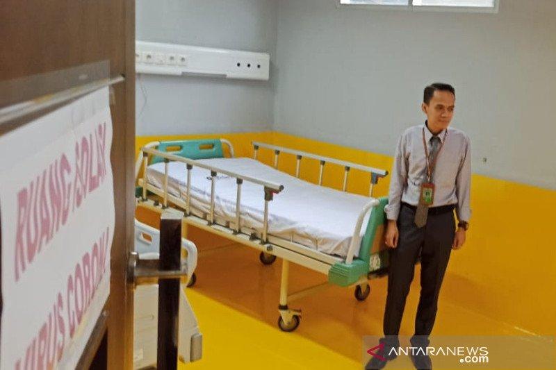 Ruang isolasi pasien COVID-19 di RSUD Garut hampir penuh