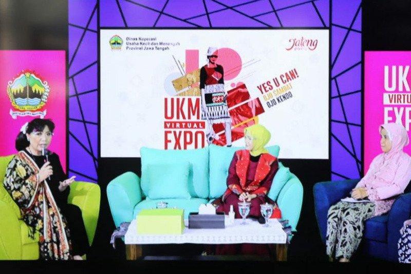 Perancang busana Anna Avantie berbagi kisah sukses di UKM Virtual Expo