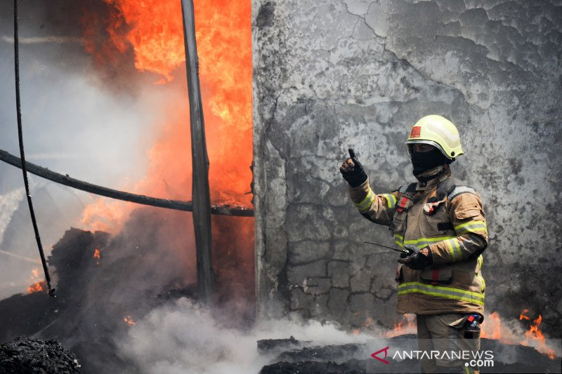 Kebakaran pabrik kasur