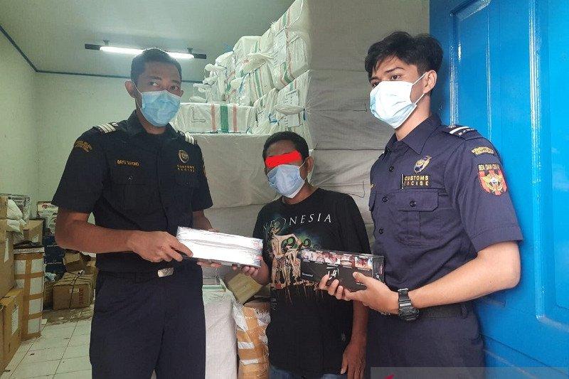 Bea Cukai Jambi amankan sopir truk pengangkut rokok ilegal