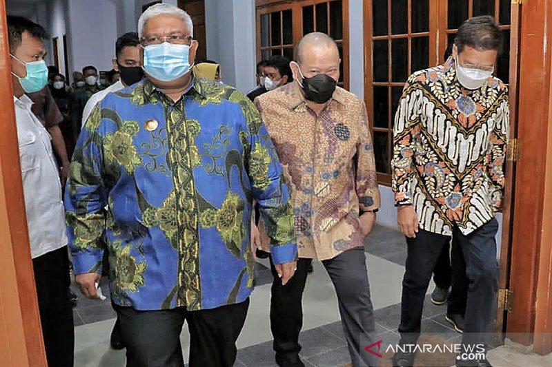 Sultra berharap Ketua DPD percepat RUU Daerah Kepulauan diundangkan