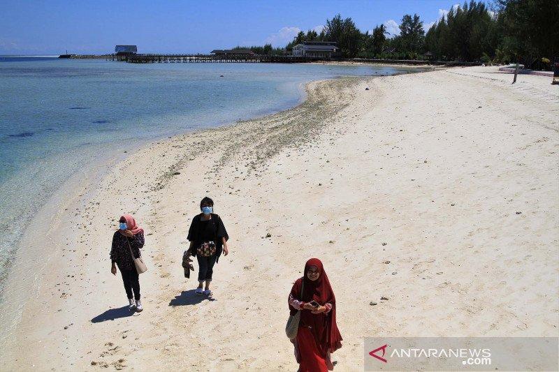 Wisata Pulau Bokori di Konawe