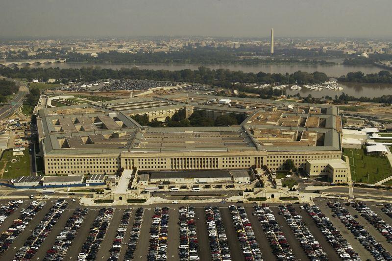 Menhan Lithuania beserta pejabat senior Pentagon positif corona