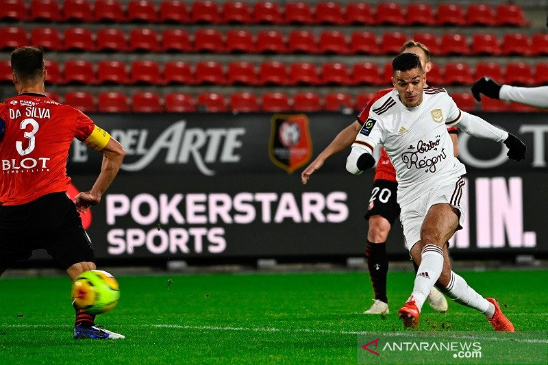 Gol perdana Hatem ben Arfa antar Bordeaux kembali ke jalur kemenangan