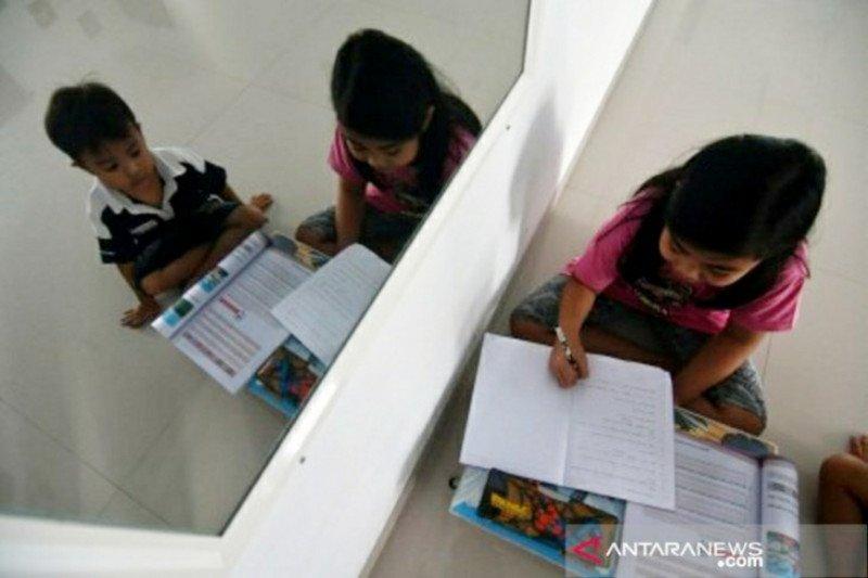 Kerja keras pemerintah dan sekolah kala pandemi