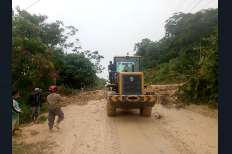 BPBD: Jalan Nanga Pinoh-Sintang kembali normal setelah longsor