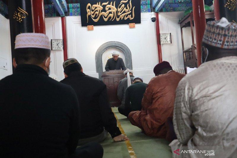 China keluarkan aturan baru keagamaan, perketat orang asing