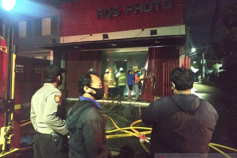 Dini hari, terjadi dua kebakaran di lokasi berbeda di Jakarta