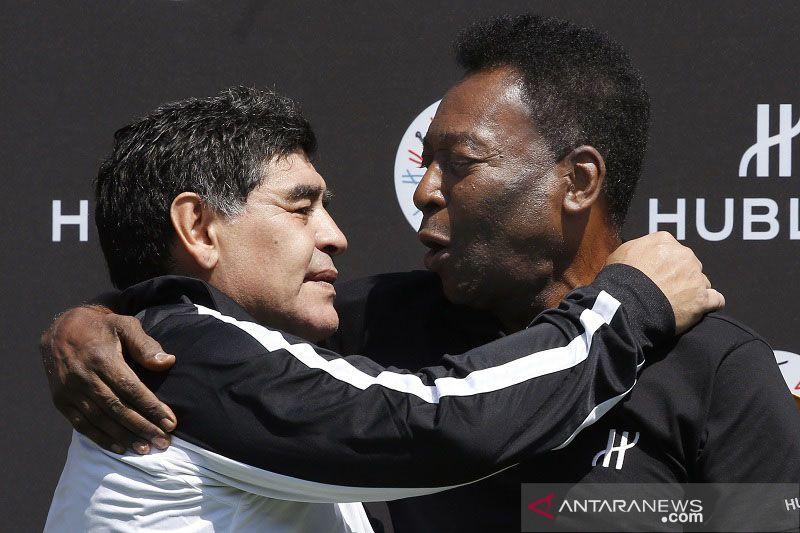 Hoaks, Pele berlutut di makam Maradona