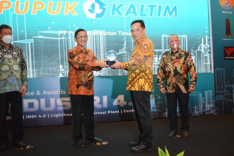 Pupuk Kaltim raih penghargaan Lighthouse Industry 4.0