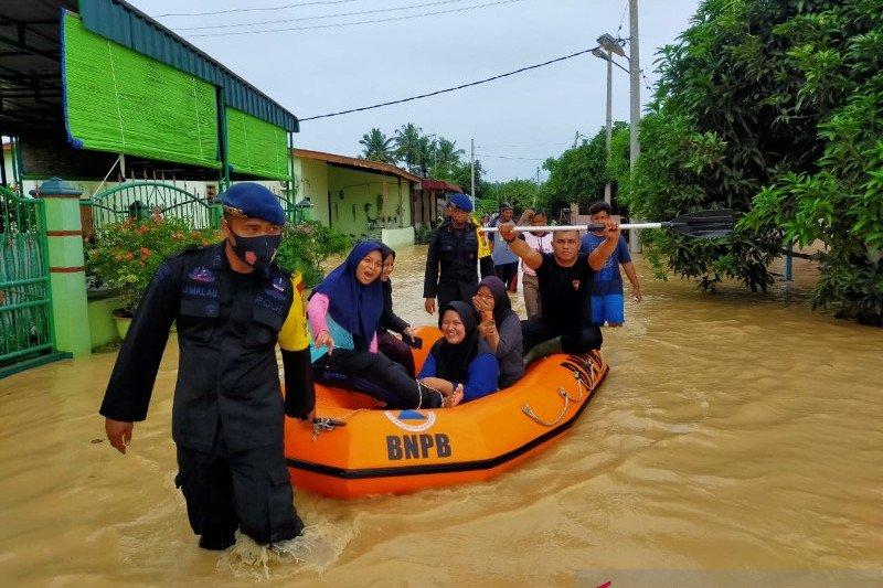 Brimob tambah personel evakuasi korban banjir di Tebing Tinggi