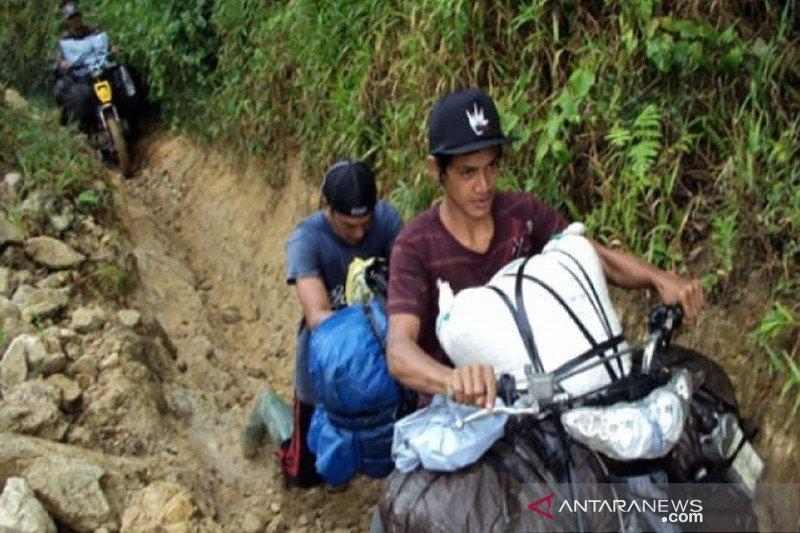 150 KK warga Desa Lemban Tongoa diungsikan pascapenyerangan OTK