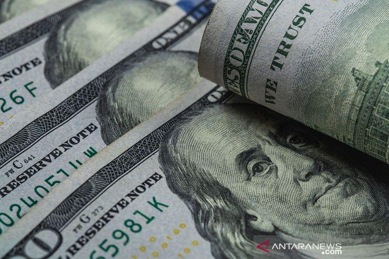 Dolar AS anjlok ke terendah 2,5 tahun, bitcoin capai rekor tertinggi