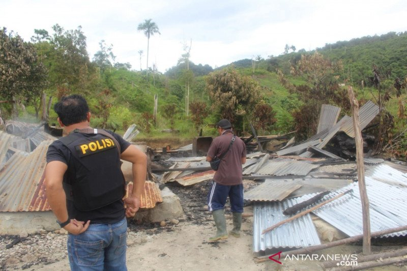 Empat orang tewas di Kabupaten Sigi, Polisi duga kelompok teroris MIT pelakunya