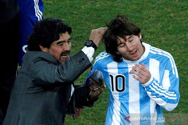 Messi meniru gol dan keterampilan Maradona, tapi bukan gaya hidupnya