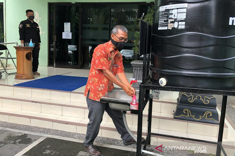 BPBD Yogyakarta distribusikan ratusan wastafel ke RW